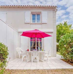 Holiday Home Les Hautes Folies-7 photos Exterior
