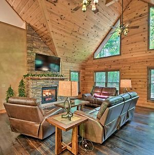 Large Log Cabin With Wraparound Deck 5 Mi To Skiing photos Exterior