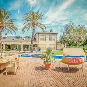Stunning Home In Cartagena W/ Jacuzzi, Outdoor Swimming Pool And 6 Bedrooms photos Exterior