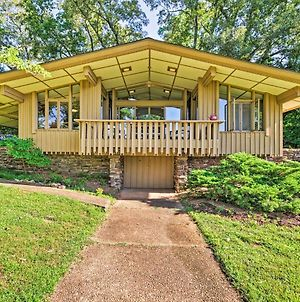 Mid-Century Modern Cottage With Fire Pit & Deck photos Exterior
