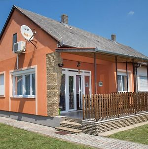 Holiday Home In Balatonmariafurdo 19310 photos Exterior