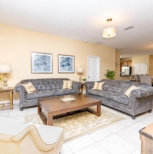 Newly Remodeled 1 Story - 5 Bed 5 Bath With Pvt Pool Spa And Game Room photos Exterior
