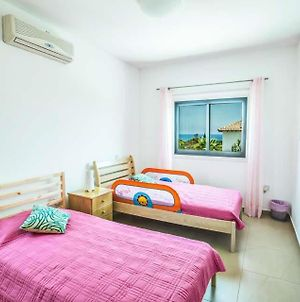 Protaras Villa Sleeps 6 With Pool Air Con And Wifi photos Exterior