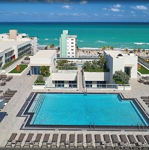Beachfront Condo Rooftop Infinity Pool Holl photos Exterior