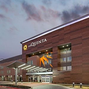 La Quinta Inn & Suites By Wyndham Dfw West-Glade Parks photos Exterior