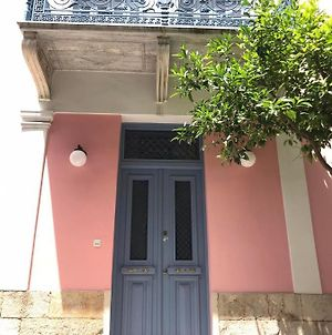 Neoclassical House In Central Piraeus photos Exterior