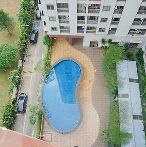 Cozy Furnished Studio Apartment At Serpong Greenview By Travelio photos Exterior