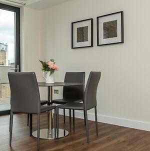 Fantastic 2 Bed 2 Bath In London photos Exterior