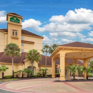 La Quinta Inn & Suites By Wyndham Jacksonville Butler Blvd photos Exterior