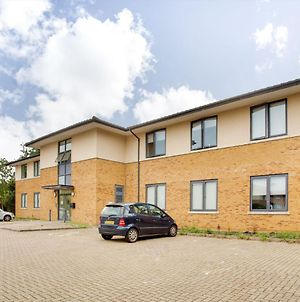 Elegant Apartment In Milton Keynes Near Snozone photos Exterior