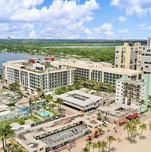 Beachfront Condo- Front Bay View Balcony ! photos Exterior