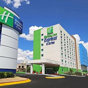 Holiday Inn Express Hotel & Suites Cd. Juarez - Las Misiones photos Exterior