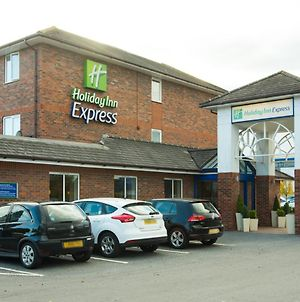 Holiday Inn Express Lichfield photos Exterior