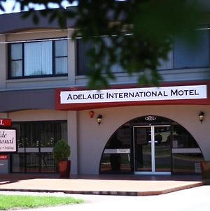 Adelaide International Motel photos Exterior