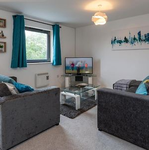Spacious Homely Centrally Located Apartment - Equipped For Business Or Holiday photos Exterior