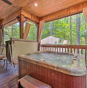 Enchanted Cabin With 2 Master Suites, Fire Pit! photos Exterior
