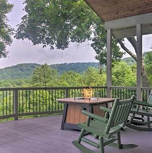 Bright Wolf Laurel Cottage With Mtn View & Deck photos Exterior