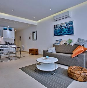Bright And Central 2 Bedroom Apartment In Sliema photos Exterior