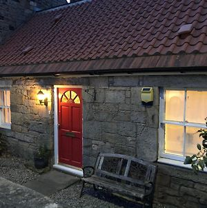 Modern 4 Bedroom Cottage Near Edinburgh photos Exterior