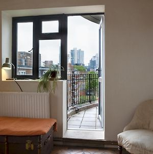 Contemporary 3Bed Apart In Vibrant Hoxton, N1 photos Exterior