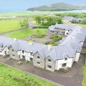 Stunning 3-Bed House In Dingle photos Exterior