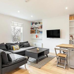 Modern And Bright 1 Bedroom Apartment In Ealing photos Exterior
