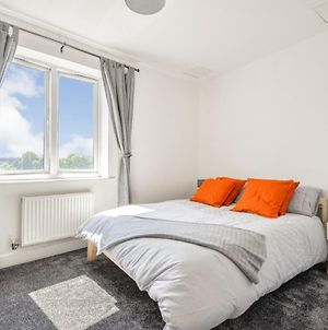 Entire Apartment Sleeps Up To Six By The Thames photos Exterior