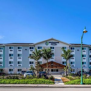 Woodspring Suites Naples West photos Exterior
