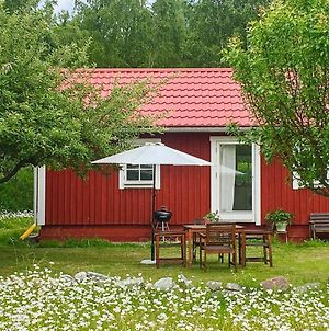 One-Bedroom Holiday Home In Stenhamra 2 photos Room