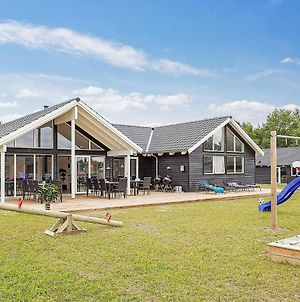 Fourteen Bedroom Holiday Home In Hurup Thy photos Room