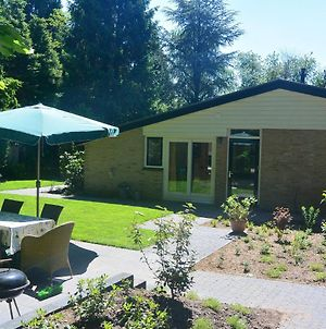 Peaceful Bungalow In Voorthuizen With Private Garden photos Room