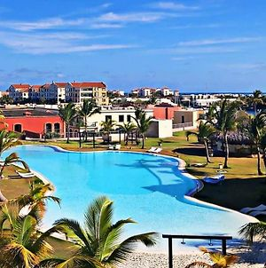 Pool View Apartament, Fishing Lodge, Cap Cana. photos Exterior