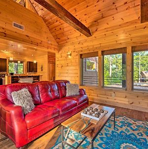 Midnight Rhapsody Cabin With Fire Pit, Hot Tub photos Exterior
