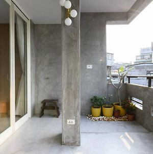 Grey Mansion By Shilinnight Market photos Exterior