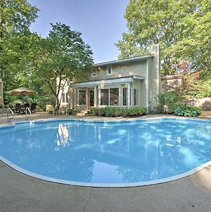Lovely Holland Home With 1 Mi To Lake Michigan! photos Exterior