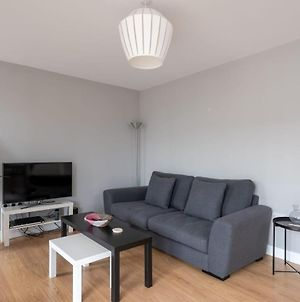 Modern 2Br Flat With Large Balcony At East End photos Exterior