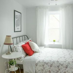 Cute 1 Bed Apartment In The Heart Of Little Italy! photos Exterior