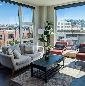Downtown 2 Bed Apartment With Stunning Views photos Exterior