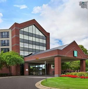 Embassy Suites By Hilton Auburn Hills photos Exterior