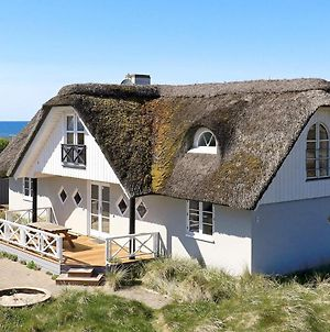 Six-Bedroom Holiday Home In Hirtshals photos Room