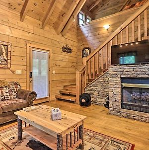 Rustic Retreat With Hot Tub, Near Pigeon Forge! photos Exterior