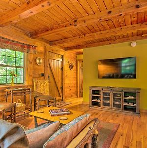 Cabin In The Woods - Deck, Game Room, Hot Tub photos Exterior