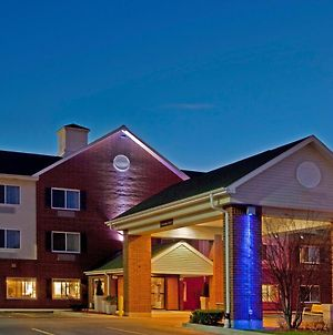 Holiday Inn Express Chicago Northwest-Vernon Hills photos Exterior