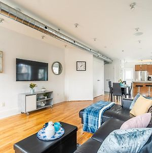 Stylish And Modern 2Br Loft - Steps From Queen Street! photos Exterior