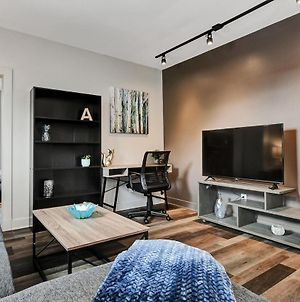 Near Downtown Ottawa - Modern And Renovated 1Br photos Exterior