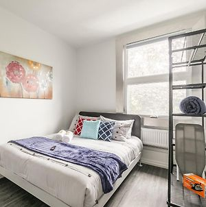 Brand New - Upscale 1Br Loft With Balcony - Byward Market! photos Exterior