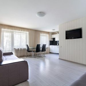 2-Bedroom Lux Apartment In Most City Area, Center photos Exterior