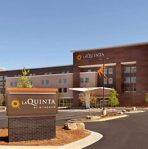 La Quinta Inn & Suites By Wyndham Braselton photos Exterior