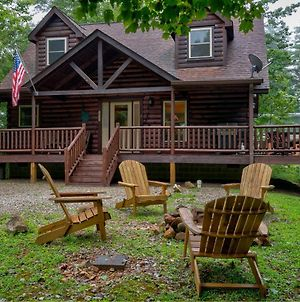 Tree Top Getaway Log House With Views In Almond, Nc photos Exterior