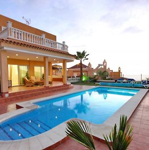 """Luxury Villa """"La Fantasia"""" For Lovers & Friends With Heated Pool & Spectacular Adeje Views By Holidays Home photos Exterior"""